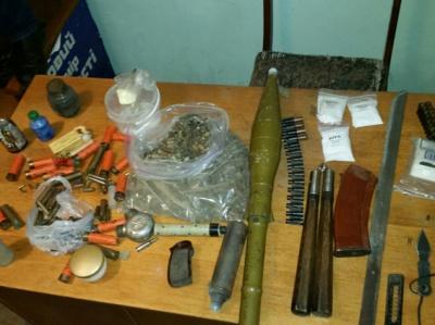 У трьох чернівчан міліція виявила арсенал зброї (ФОТО)