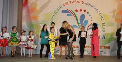 Буковинські танцюристки стали призерами на всеукраїнському фестивалі