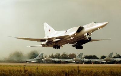 Росія перекидає у Крим стратегічні ракетоносці здатні нести ядерну зброю
