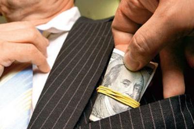 На Буковині колишній військовий вимагав 900 євро за відкуп від служби