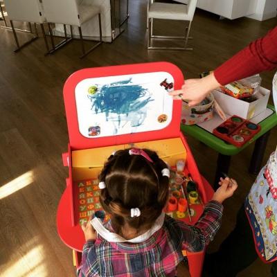 Буковинка Ані Лорак показала, як її трирічна дочка малює