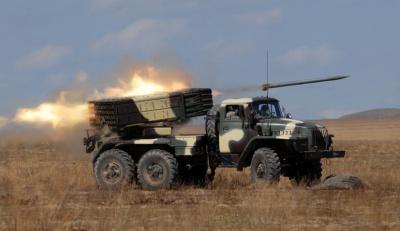 """Бойовики обстріляли сили АТО з """"відведеного"""" важкого озброєння"""
