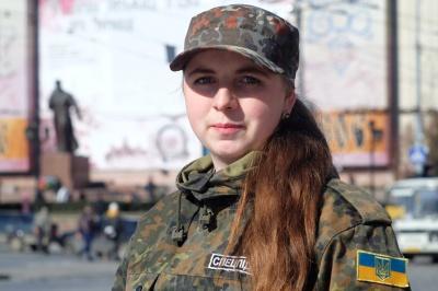 Молода буковинка-юрист пішла добровольцем у зону АТО