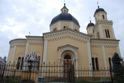 З Чернівецької УПЦ КП передали для солдатів 30 тисяч гривень