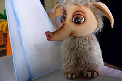 У Чернівецькому театрі ляльок готують виставу про пригоди маленького мамонта (ФОТО)
