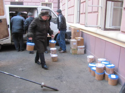 Буковинці з США передали рис на голубці для бійців