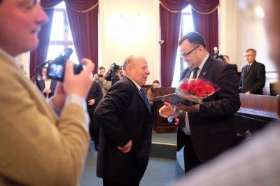 """Багаторічний керівник газети """"Чернівці"""" написав заяву на звільнення"""