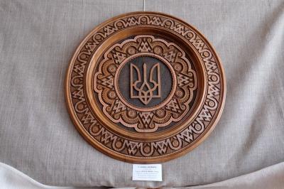 Буковинська вчителька зробила найбільшу в Україні булаву (ФОТО)