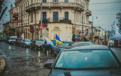 У Чернівцях провели автопробіг задля порятунку хворих дітей (ФОТО)