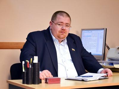 У Чернівцях депутат не пускає на роботу працівників через політичні розбіжності, - нардеп