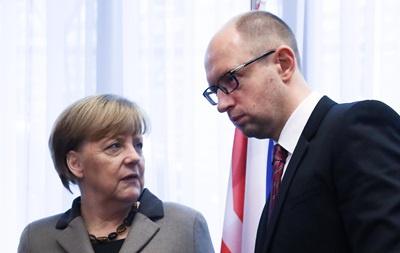 У Берліні Яценюк та Меркель обговорюють економічні проекти на підтримку України