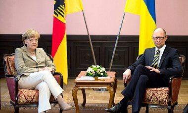 Яценюк: Основні докази у справах проти Януковича знищили