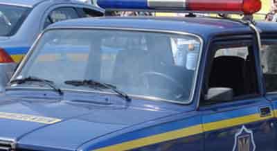 В авто на Буковині знайшли пістолет і ніж