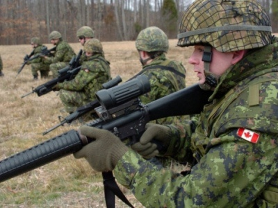 В Україну приїдуть канадські військові