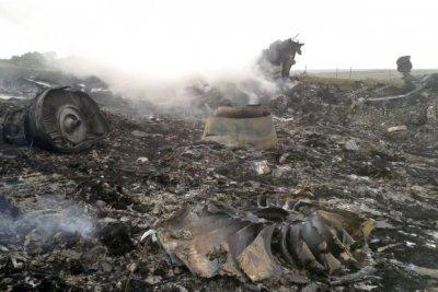 Експерти знайшли нові останки на місці падіння Боїнга МН-17