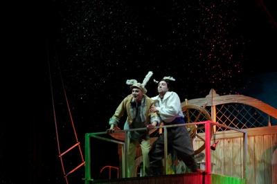 У муздрамтеатрі Чернівців відбулася прем'єра казки про пригоди морського вовка (ФОТО)