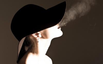 Страх перед ожирінням заважає жінкам кинути палити