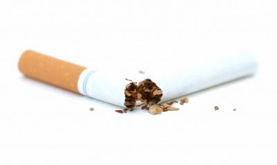 Цигарки шкодять навіть після років відмови від них