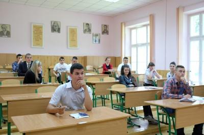 Під час ЗНО та ДПА з української мови та літератури будуть і металодетектори, і міліція