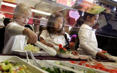 """""""Шведські столи"""" в чернівецьких школах запровадять вже наступного навчального року"""