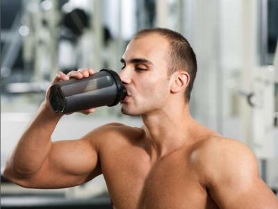 Учені заборонили чоловікам вживати спортивні добавки
