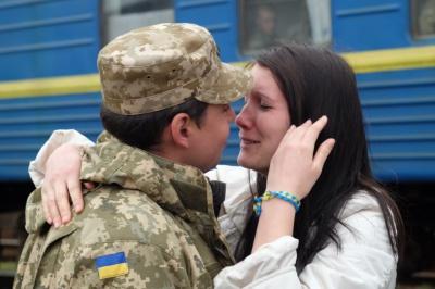 В зону АТО з Чернівців відправились буковинські десантники (ФОТО)