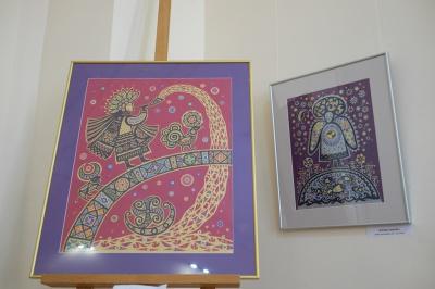 Чернівчанка з паперу творить дивозвірів та прадавні символи (ФОТО)