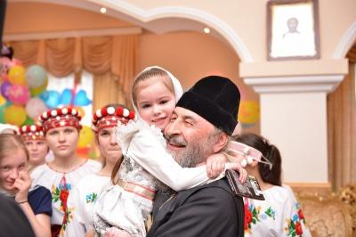 Митрополит Онуфрій відвідав дитячий будинок на Буковині