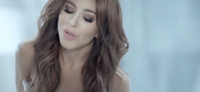 Буковинка Ані Лорак оголеною знялась у кліпі (ВІДЕО)