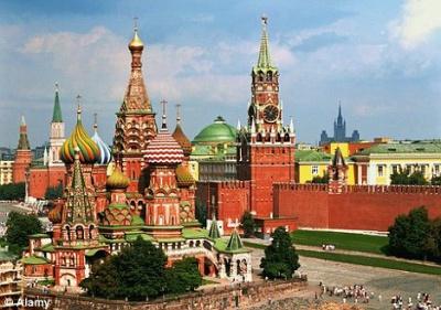 Українці все гірше ставляться до Росії та її президента