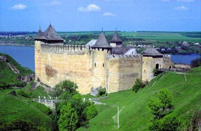 Хотинська фортеця відкриває фестиваль з козацьким турніром