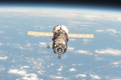 """Російський космічний корабель """"Прогрес"""" неконтрольовано падає на Землю"""
