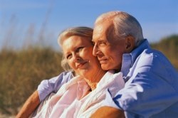 Пенсійний вік в Україні неминуче піднімуть до 65, - експерт