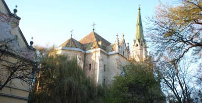 Музиканти збиратимуть кошти на реставрацію костелу в Чернівцях