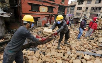 У Непалі кількість жертв землетрусу зросла до 6204 осіб