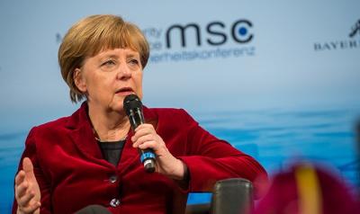 Меркель пояснила навіщо їде у Москву