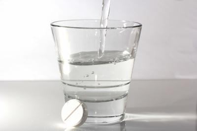 В чому небезпека аспірину та парацетамолу