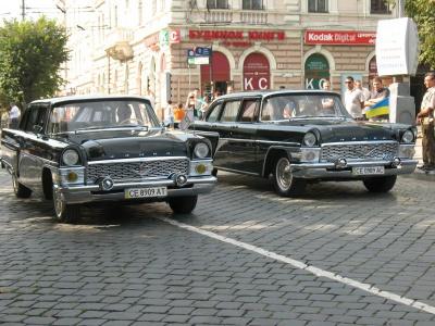 До Дня Перемоги у Чернівцях проведуть парад раритетних авто