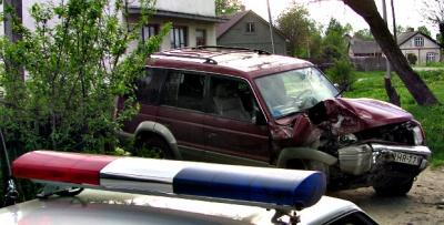 Водій джипа на Буковині вчинив два ДТП і втік з лікарні