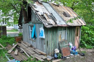 Роженица, ребенка которой нашли мертвым, спала на полу, - соседи (ФОТО)