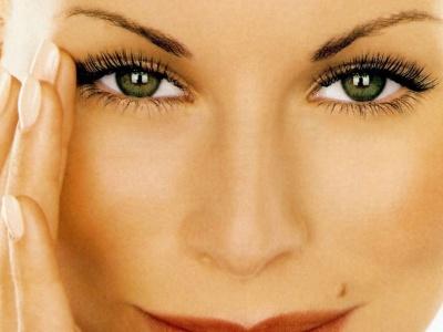 Колір очей впливає на особистість