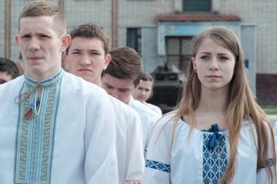 Школярі в Чернівцях змагаються у військово-патріотичній грі «Захисник» (ФОТО)