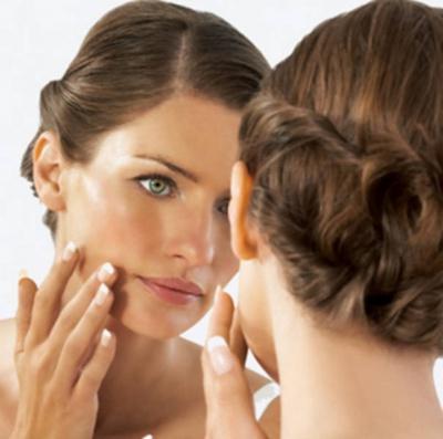 Алергія на косметику чи висипка: як розрізнити