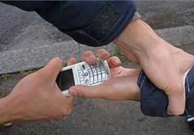 За крадіжку телефона буковинцю загрожує до трьох років тюрми