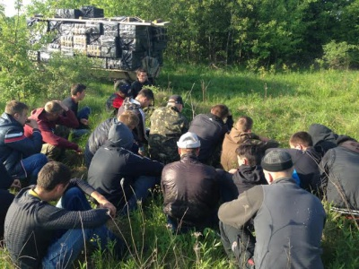 На кордоні затримали 23 буковинців-контрабандистів