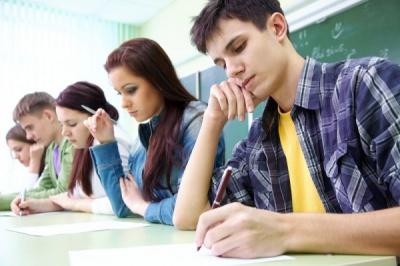 У випускників розпочалися іспити