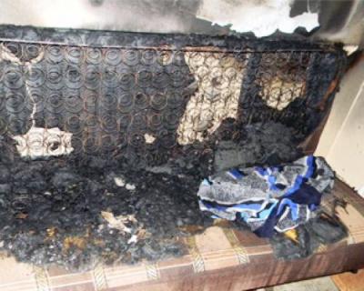 72-річна буковинка спалила диван, заснувши з цигаркою