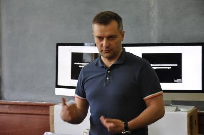 Хабарі пропонують регулярно, - журналіст Дмитро Гнап у Чернівцях говорив про журналістські розслідування