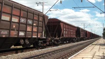 У Чернівцях вантажний поїзд травмував буковинця