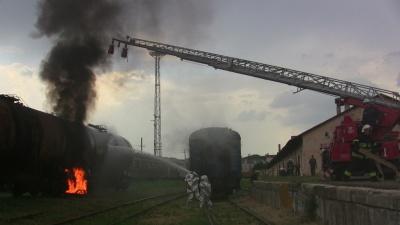 У Чернівцях тренувалися гасити пожежу на залізниці (ФОТО)